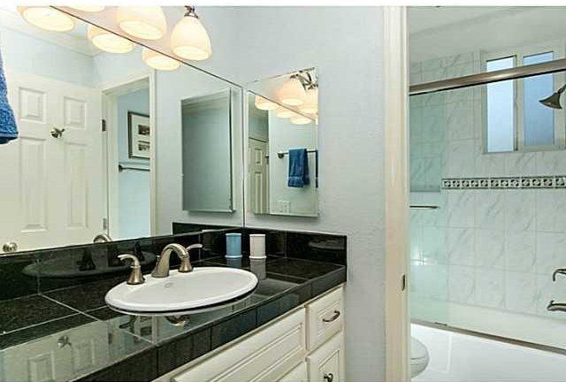A-116 Bathroom Vanity