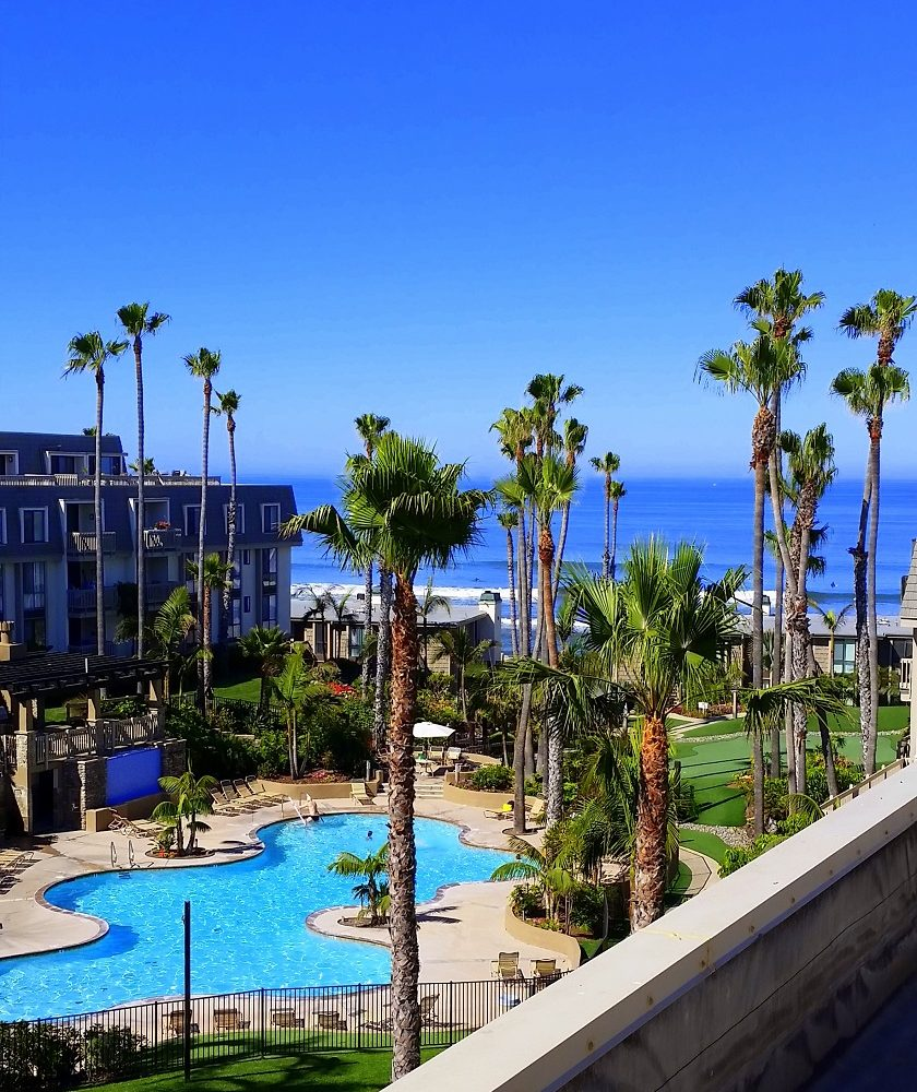 F-300 Ocean and pool view from rooftop deck