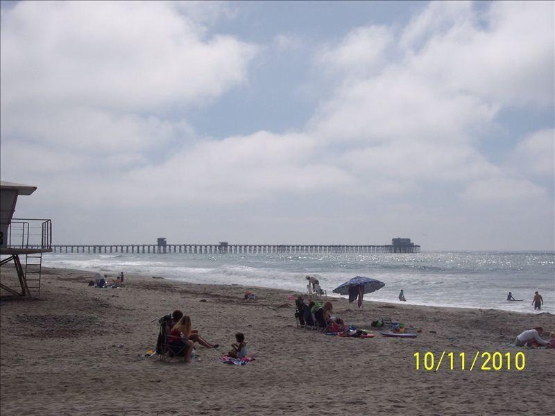 A-17 oceanside beach with oceanside pier in view
